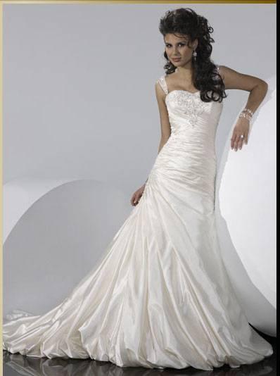 internet-magazin-svadebnyx-platev-v-moskve-i-fotografii-svadebnyx-i-vechernix-platev