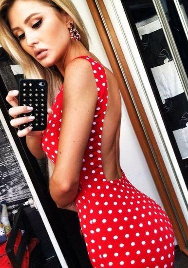 krasnoe_plate_v_belyj_goroshek_7