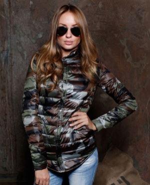 Udlinennyj_puhovik_zhenskij_zimnjaja_kollekcija_Stil_militari_1