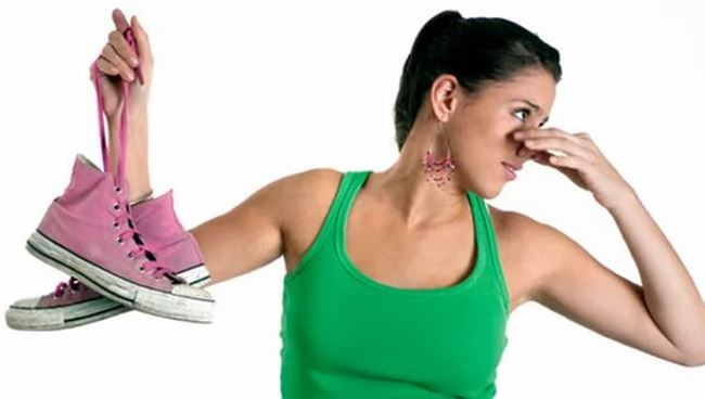 Как избавится от неприятного запаха обуви в домашних условиях