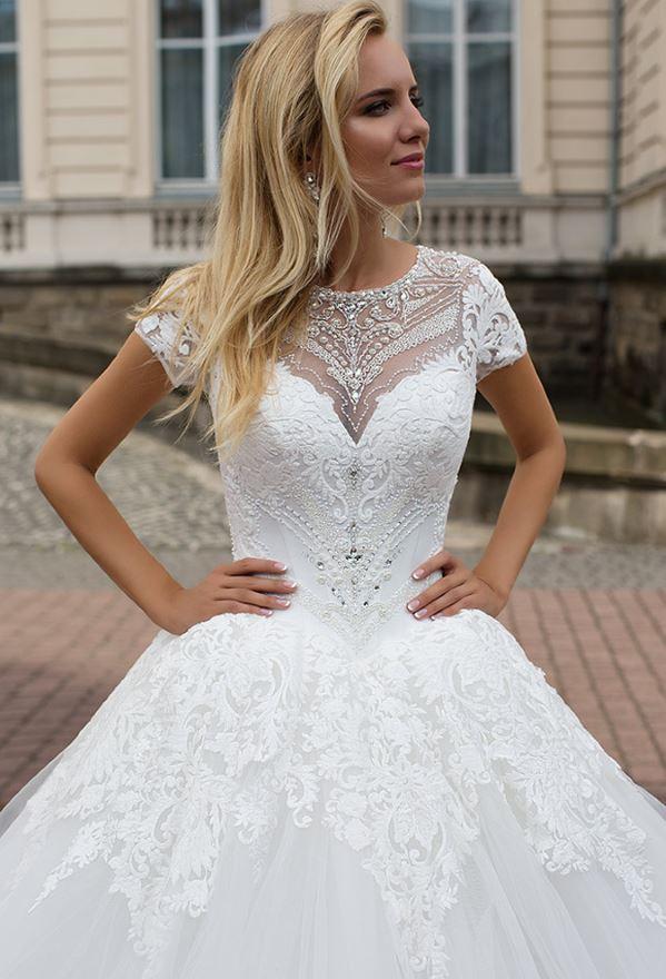 Zakrytye_svadebnye_platja_v_grecheskom_stile_9_1