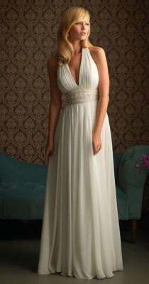 Платье в «греческом стиле» с глубоким декольте в форме буквы V
