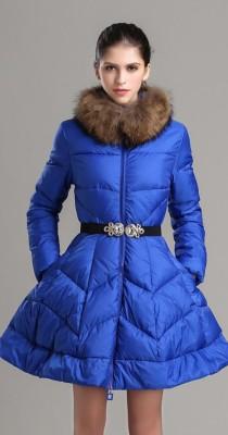 Zimnie_zhenskie_puhovye_palto_klesh_2