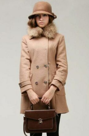Женское пальто с меховым воротником отлично подойдет