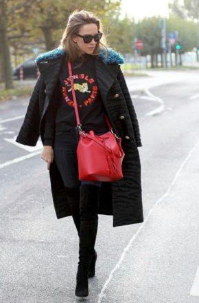Женское пальто с меховым воротником придает особый шарм образу