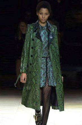 Пальто оверсайз быстро вошло в нашу жизнь — экстравагантное и нетипичное