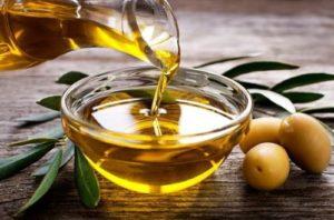 Maslo-zhozhoba-i-olivkovoye-maslo